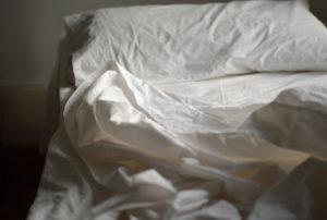 Подзаражение через постельные принадлежности