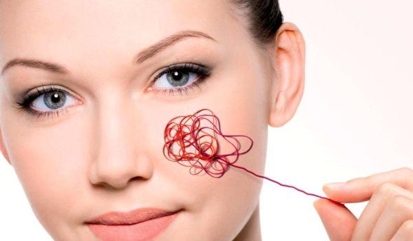 Красные угри на лице: причины и лечение