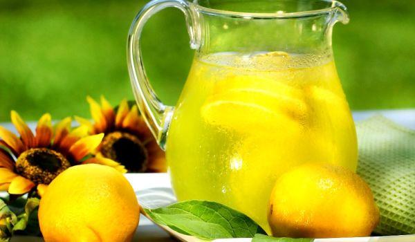 Лимонад с розмарином и медом