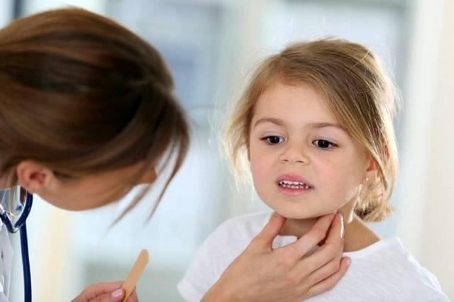 У ребенка хриплый голос и кашель