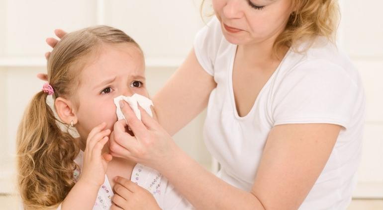 Как вылечить долгий затяжной насморк у ребенка?