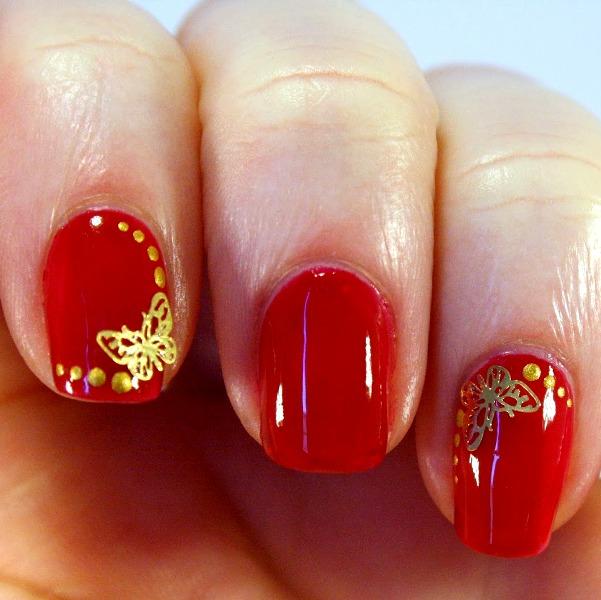 Золотисто-красные ногти