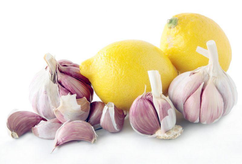 Смесь чеснока и лимона