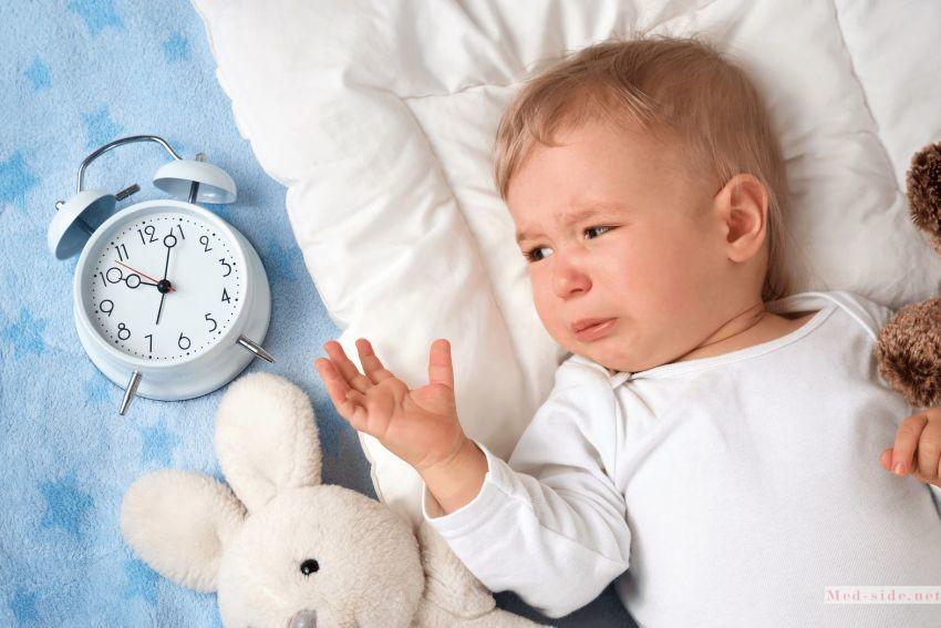 Сон с ребёнком вредит интимной жизни пары: способы приучения детей к своей кровати