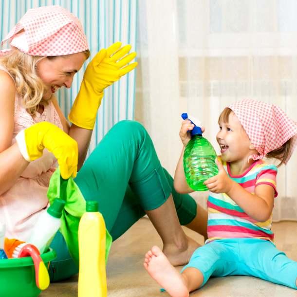 Совместная уборка в доме с ребенком