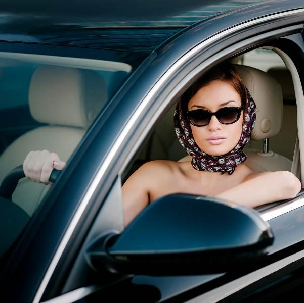 Фото женщины в авто