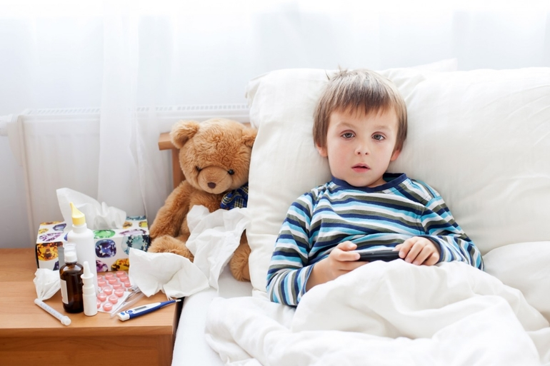 Как сбить температуру у ребенка растирание спиртом thumbnail