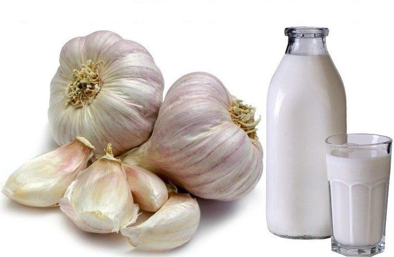 Настойка на основе чеснока и молока